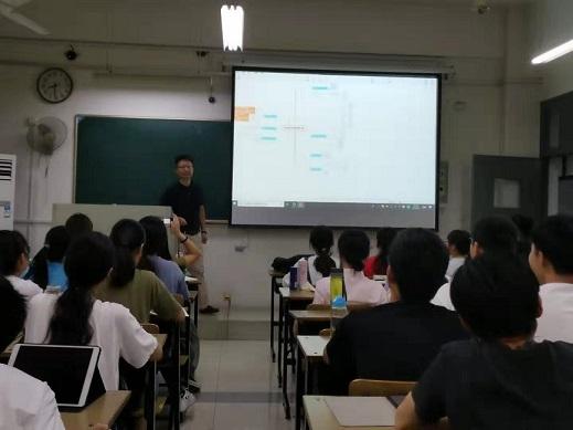 团队律师前往安徽大学法学院为知识产权专业学生授课